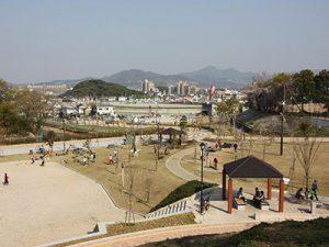 峰塚公園(峯塚古墳)
